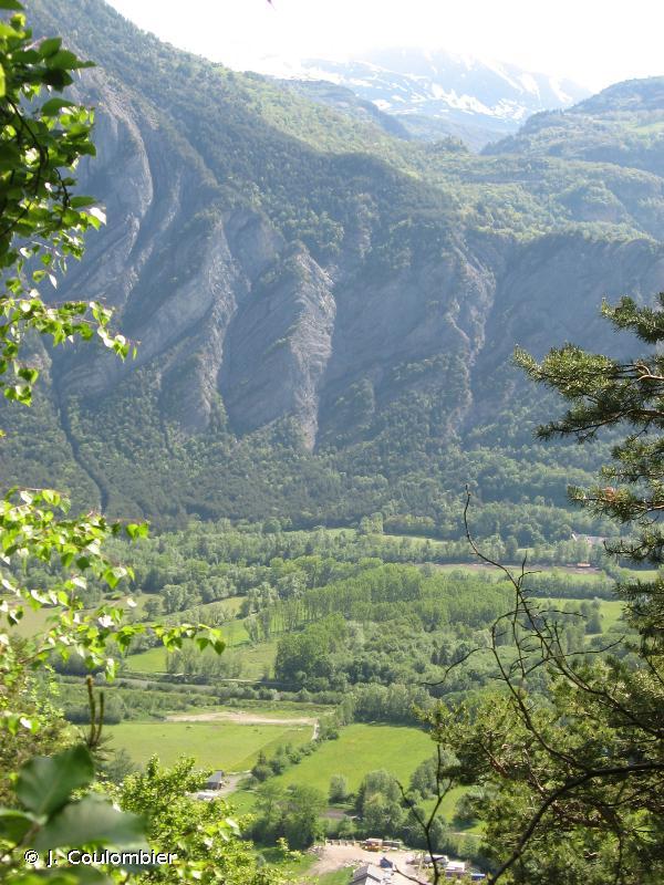 Plaine de Bourg d'Oisans et ses versants