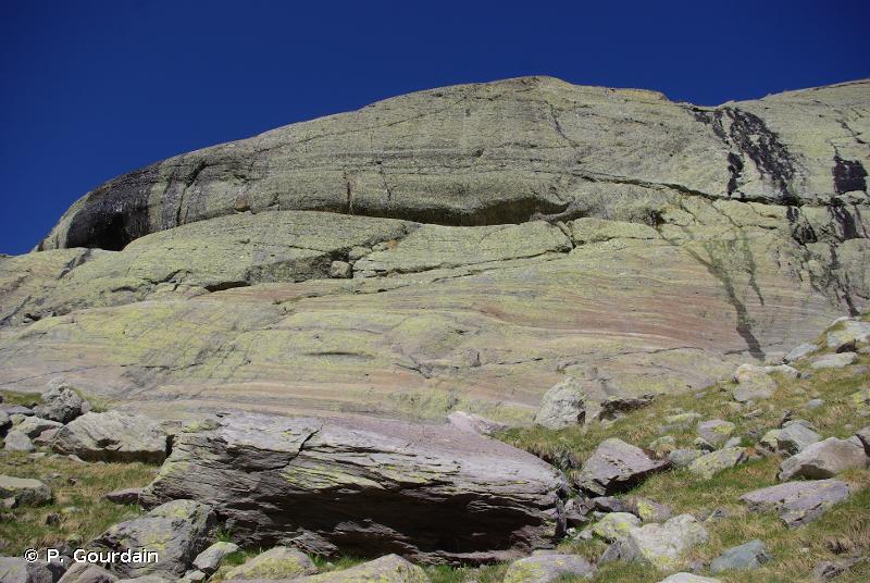 E4.2 - Sommets, corniches et pentes exposées des montagnes, dominés par des mousses et des lichens - EUNIS